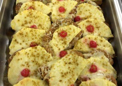 Schnitzel Hawaii mit Ananas u. Käse